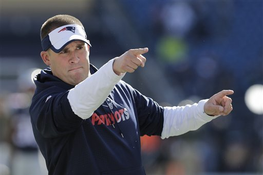 Colts Chat with Patriots OC Josh McDaniels as Possible New Head Coach